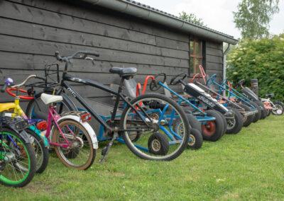 Skelters en fietsen